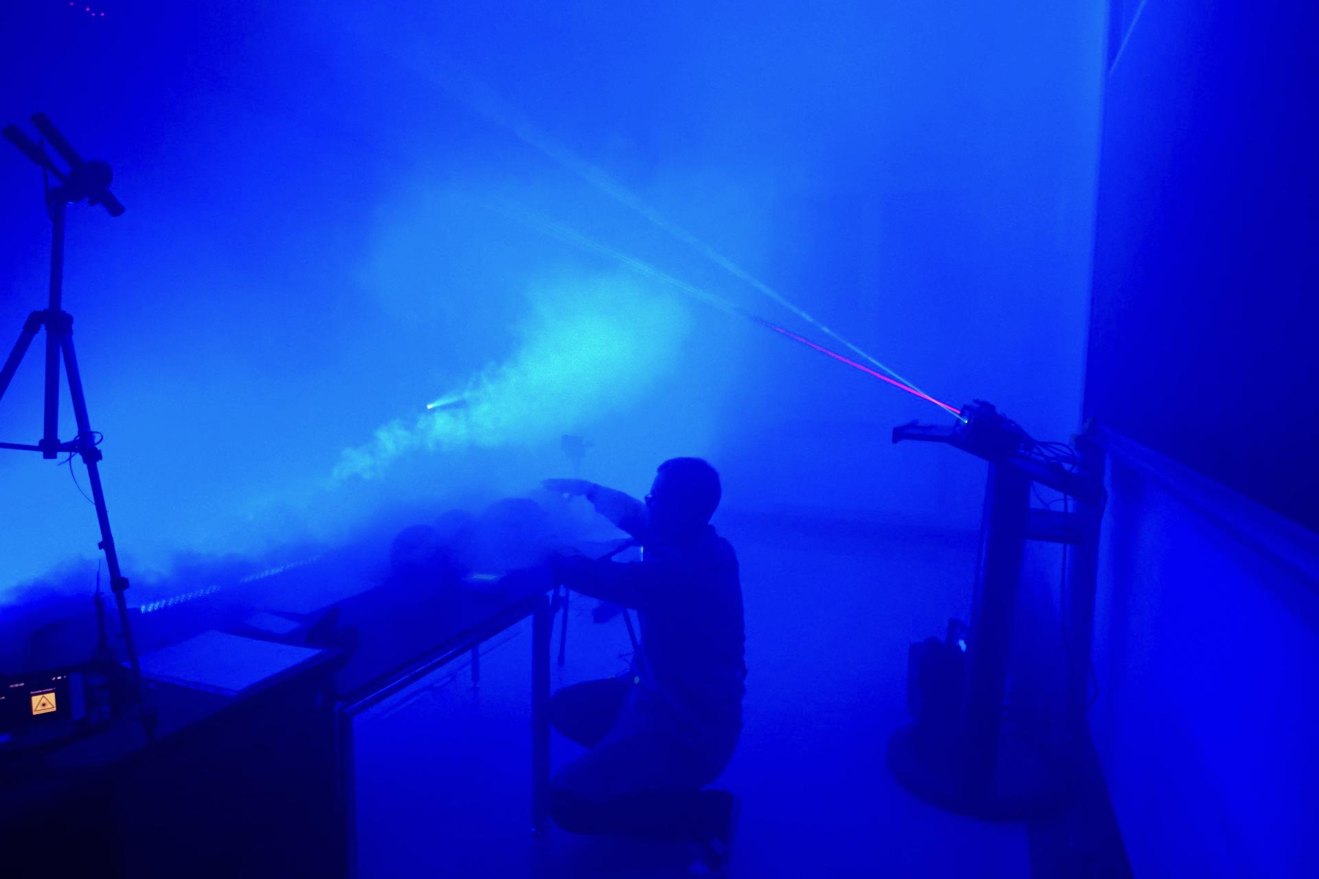 Lasery na wykładzie Naukowców Pana Korka