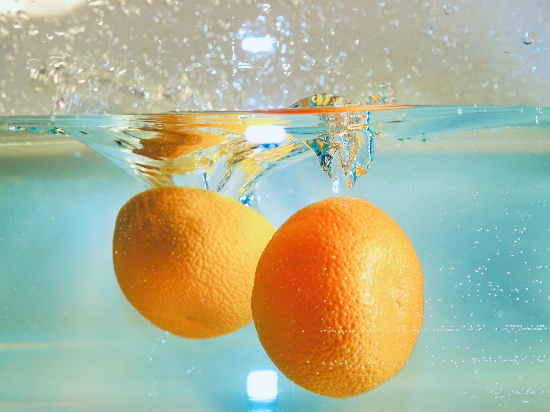 Pomarańczowe koło ratunkowe